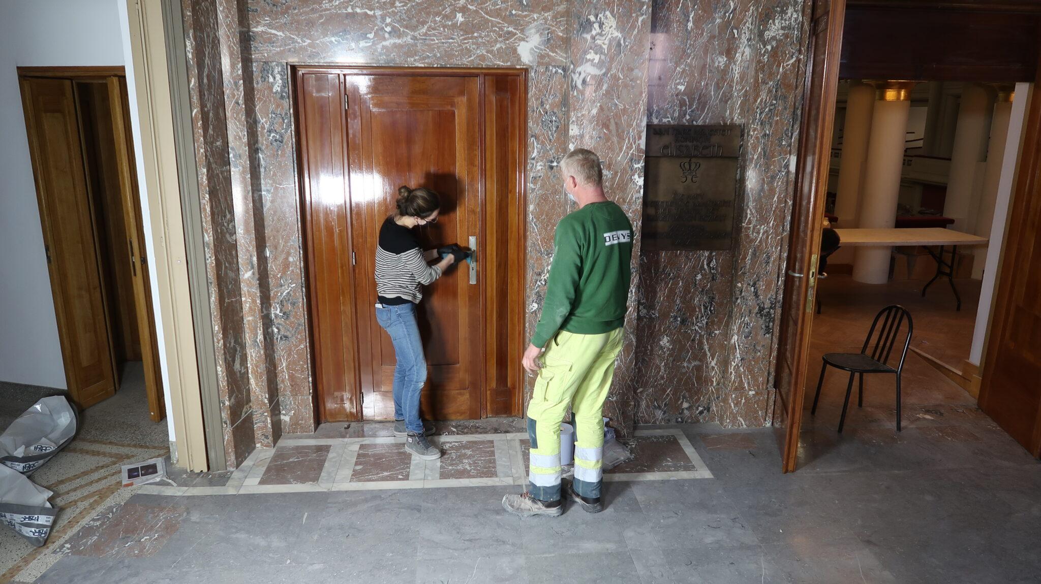 restauratie van houten deuren, koninklijk salon en loge, BOZAR